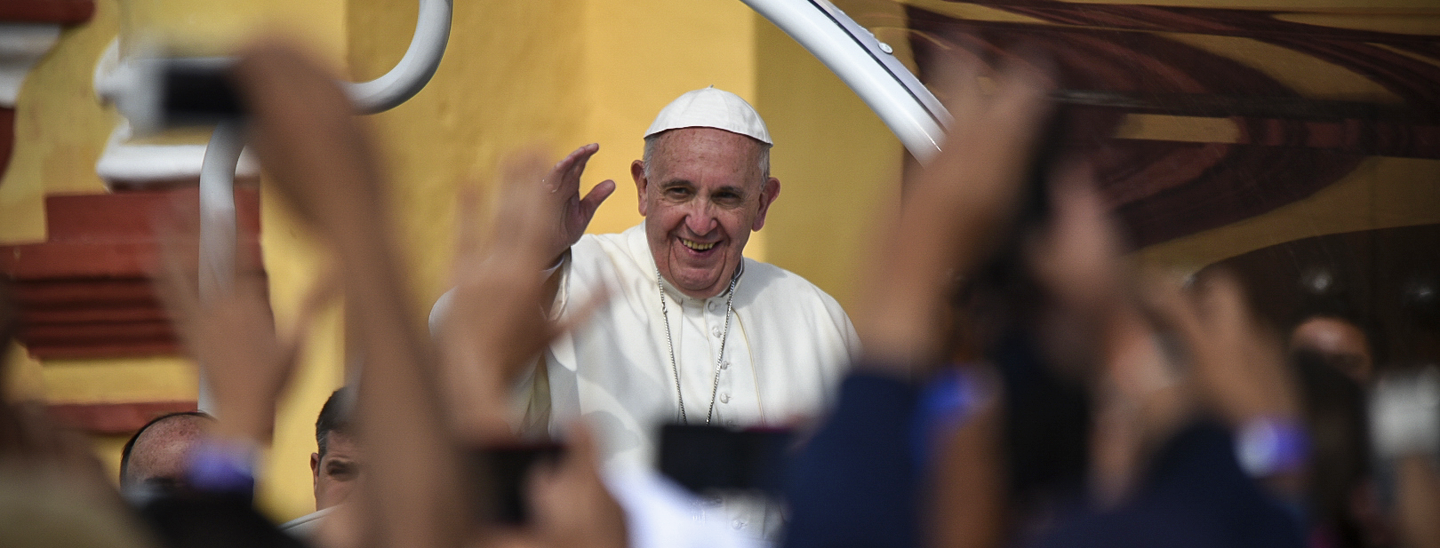 Pope Francis waves to crowds in San Cristobal, Mexico. Credit: Marko Vombergar/Aleteia.