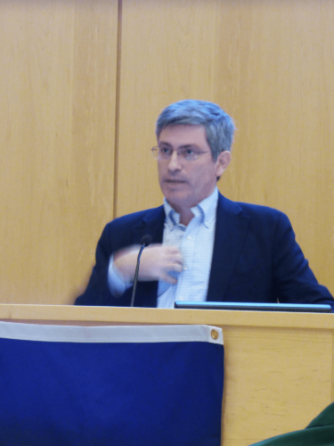 "Carl Zimmer discussing his new book ""She Has Her Mother's Laugh"" at a lunchtime talk at APPC."